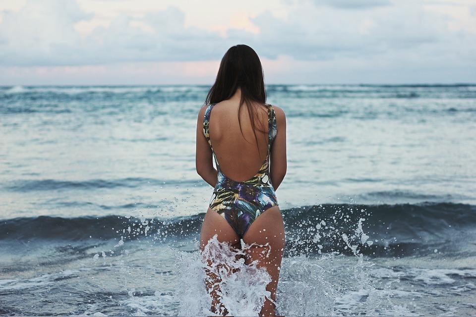 vybírat plavky