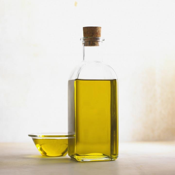 I olivový olej prospívá našemu zdraví. Víte, jak?