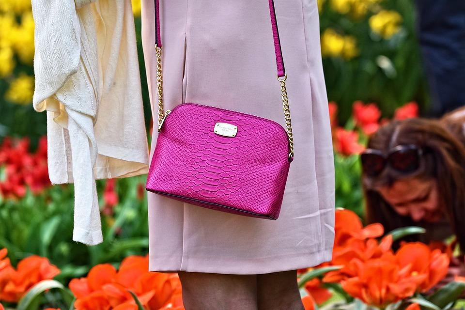 Typy kabelek, které se nyní nosí. Už je máte taky?