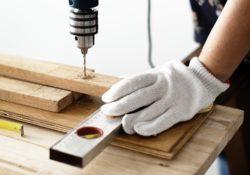 Kdo zajišťuje revize u elektrického ručního nářadí, případně u elektrických spotřebičů?
