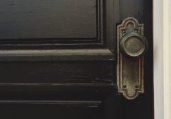 Jak vybrat bezpečnostní dveře