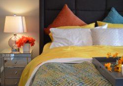 Chyby, kterých se dopouštíme při zařizování ložnice a které negativně ovlivňují spánek